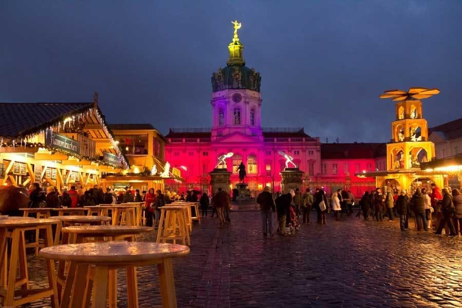 SPSG_WeihnachtsmarktCharlottenburg_Farbiges-Schloss-rid